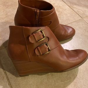 BASS ABBiE Leather Ankle Boots